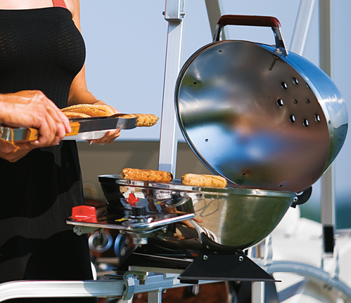 barbeque grill boat resized 600