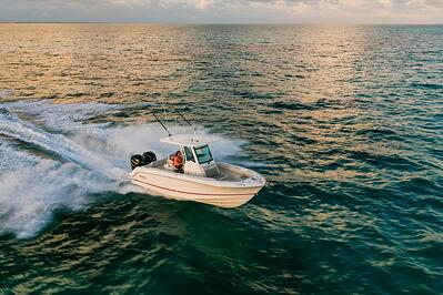 Boston-Whaler-250-Outrage-Gallery-8