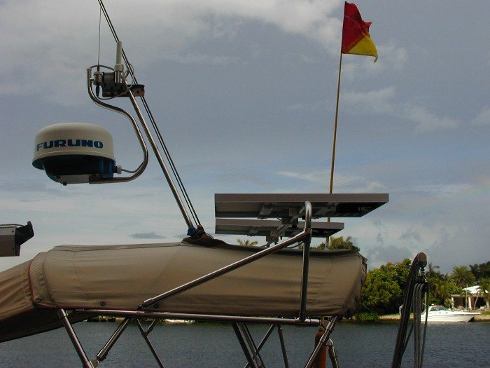 solar_panels_on_boat_bimini
